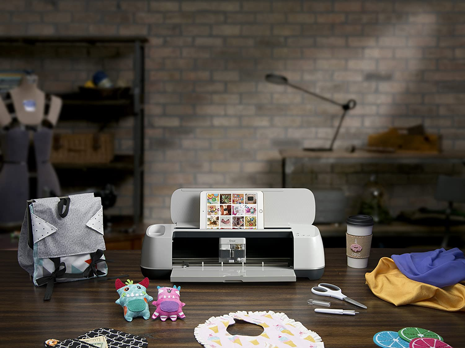 cricut-maker-cutting-machine