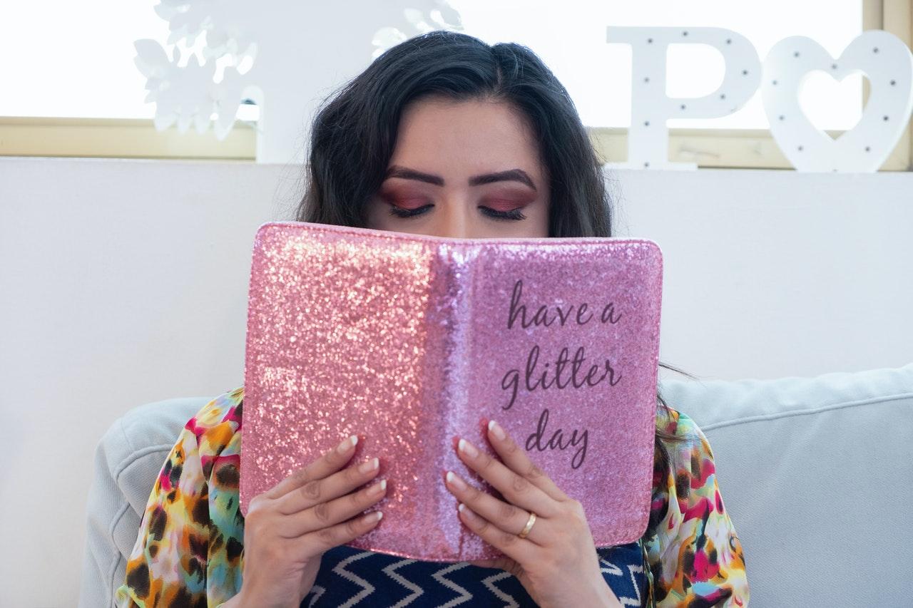 women reading book